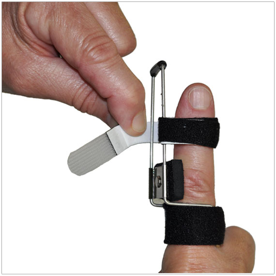 3pp Side Step Splint - wrap Buddy Loop around wire frame and secure