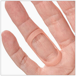 Trigger finger treated with an Oval-8 Finger Splint
